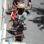 Blick aus der Ferienwohnung in Florentin (Tel Aviv, Israel) nach unten auf die Straße