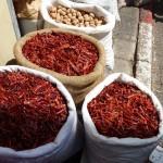 Tel Aviv, Israel: Sackweise Gewürze ... scharf und lecker