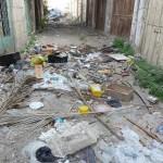 Hebron: Abfall und anderes von den Siedlern auf palästinensiches Gebiet entsorgt