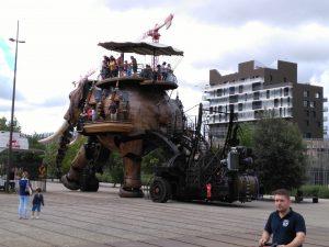Der große Elefant